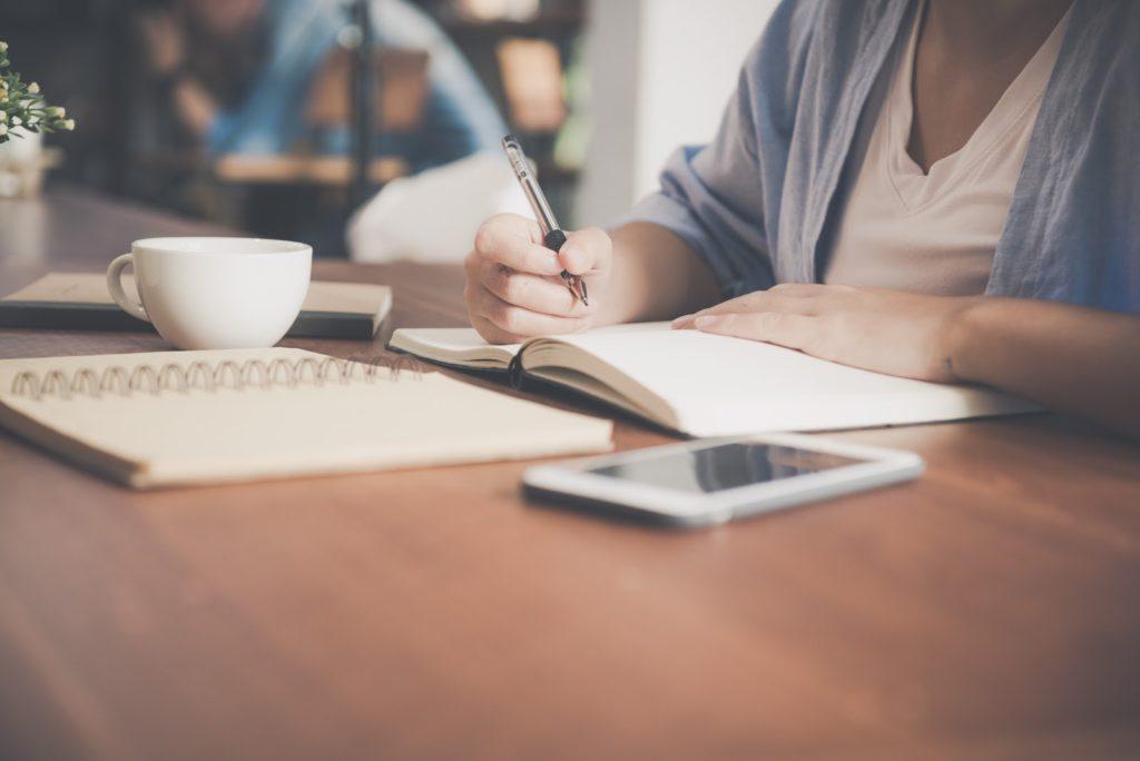 Tener un momento para informarte y analizar todos los posibles gastos puede marcar la diferencia a la hora de solicitar tu crédito.